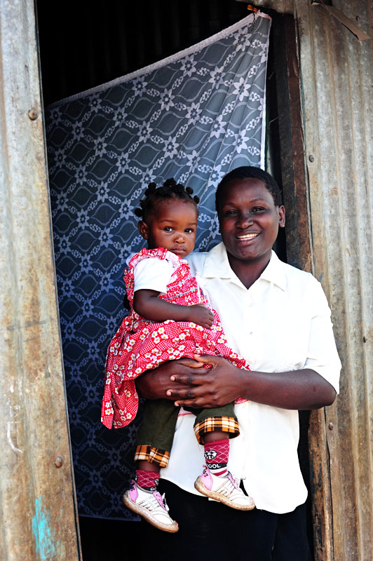 Kenyan-Mom-and-Daughter