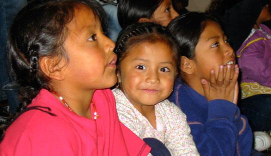 Girls-Ecuador-2002