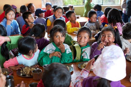 Compassion-International-Ecuador-EC478-Lunch