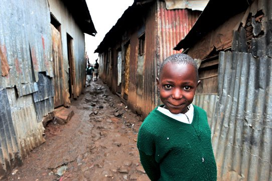 Methare-Slum-Kenya-girl