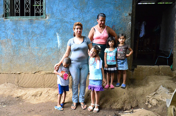 Daisy's-family-and-house-in-Nicaragua