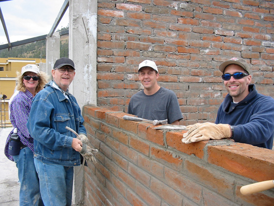 brick-layers-in-ecuador