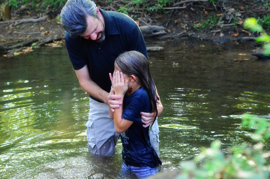 Shaun-Groves-baptizing-daughter-Penelope-3